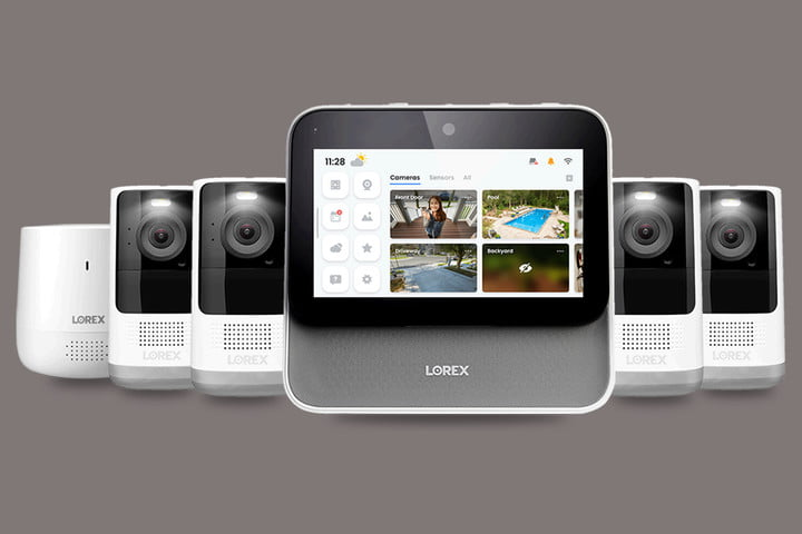 Lorex Smart Home Security Center with 4 2K cameras and range extender