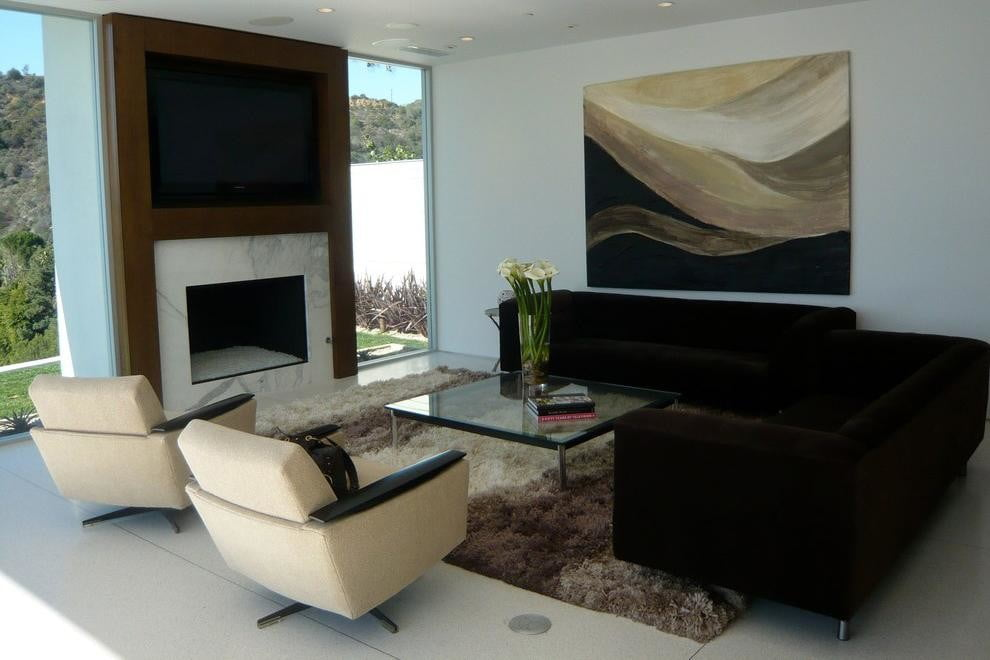 homes with their own shark tanks hollywood hills sharks 4