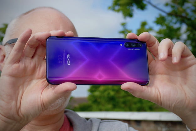 honor 9x pro review back hand