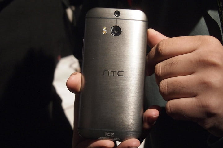 HTC One M8 hands on rear