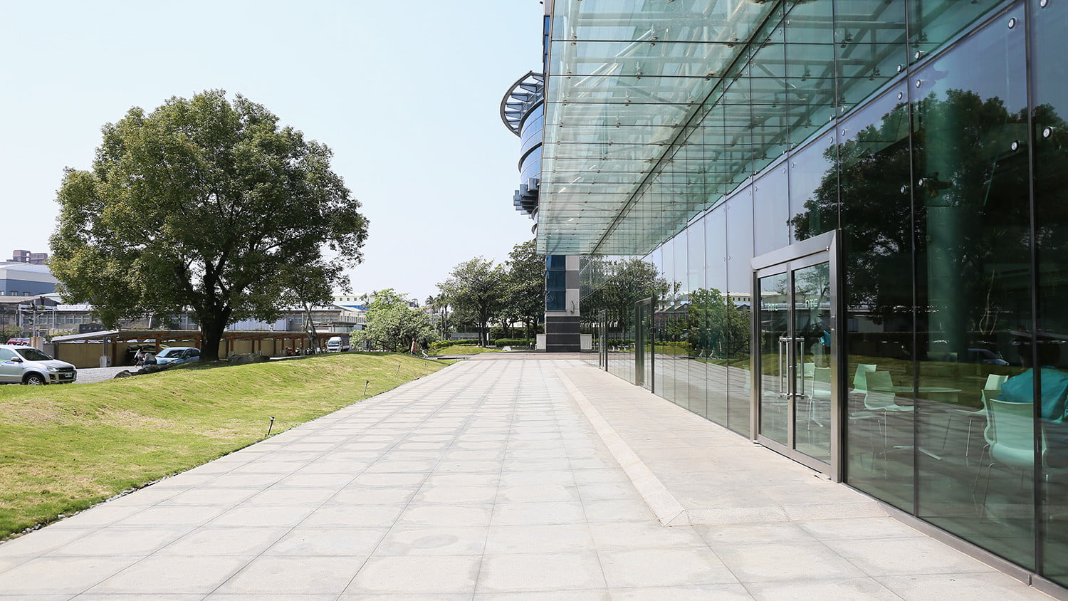 how htc builds its smartphones a tour in taiwan factory 02