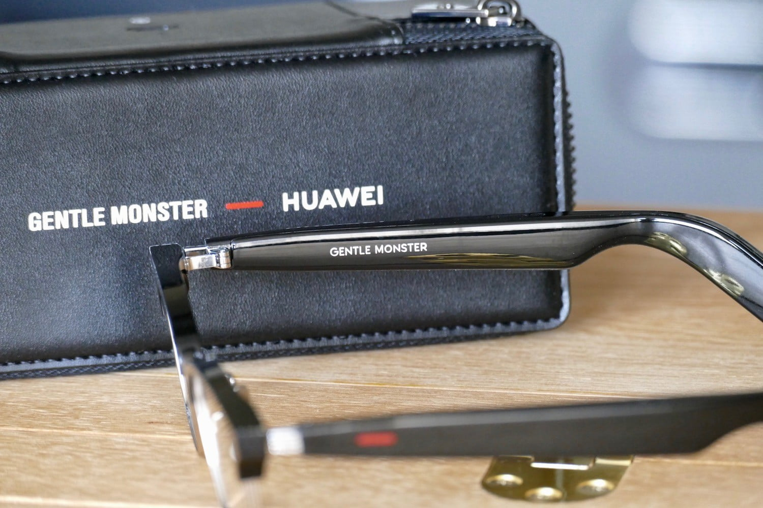 huawei gentle monster eyewear 2 hands on features price photos release date inside arm