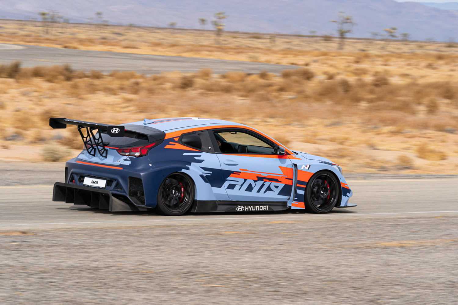 mid engined hyundai rm19 hot hatch unveiled at los angeles auto show 3