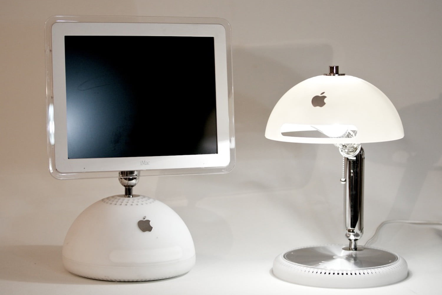 ilamp desktop lamps made from old imacs ilamps 004