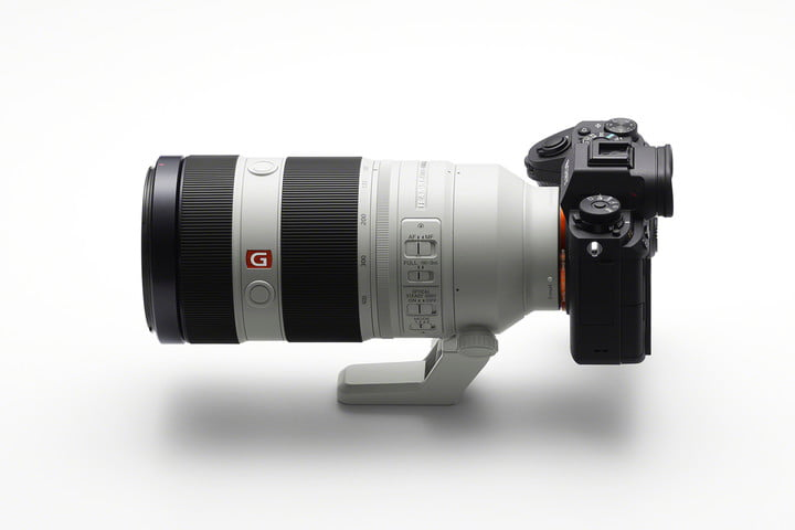 sony launches 100 400mm master g ilce 9 sel100400gm side image large