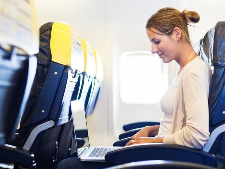 google flight search now lets you look for wi fi power sockets in