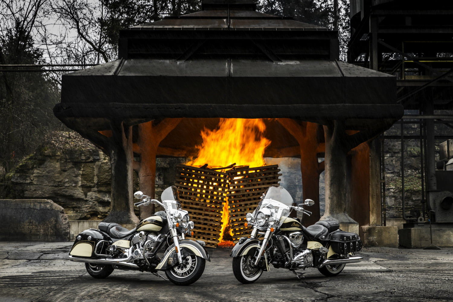 Indian Motorcycle Chief Vintage and Springfield Jack Daniel's