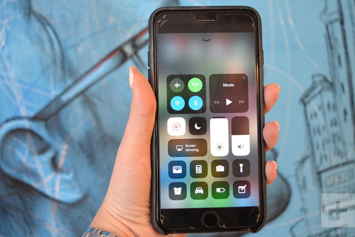 Hidden iOS 11 features, turn off Bluetooth and Wi-Fi in iOS 11