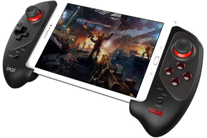 iPega PG-9083S Controller with a smartphone.