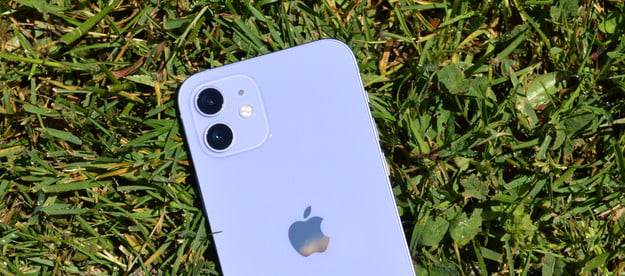 hands on with purple iphone 12 2