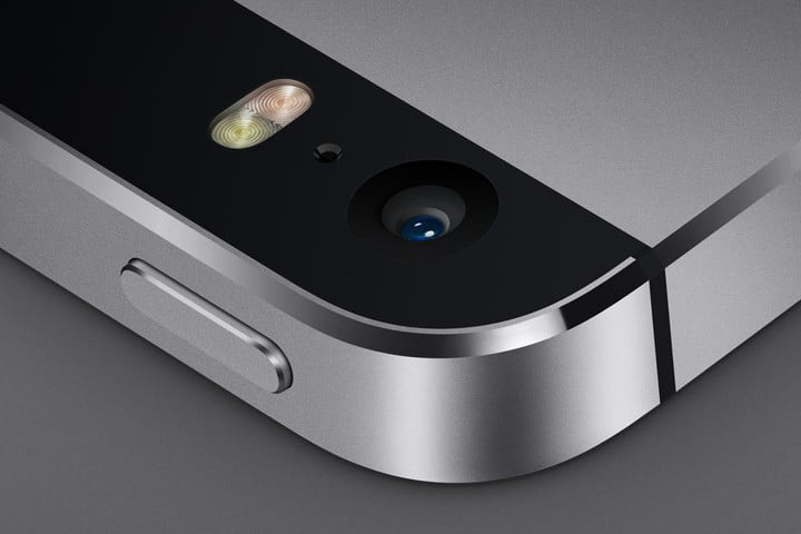 apple partners with burberry iphone 5s camera