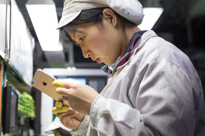 foxconn wisconsin manufacturing plant news iphone builder robots header