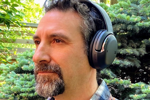 JBL Tour One review: Noise-canceling cans for frequent callers