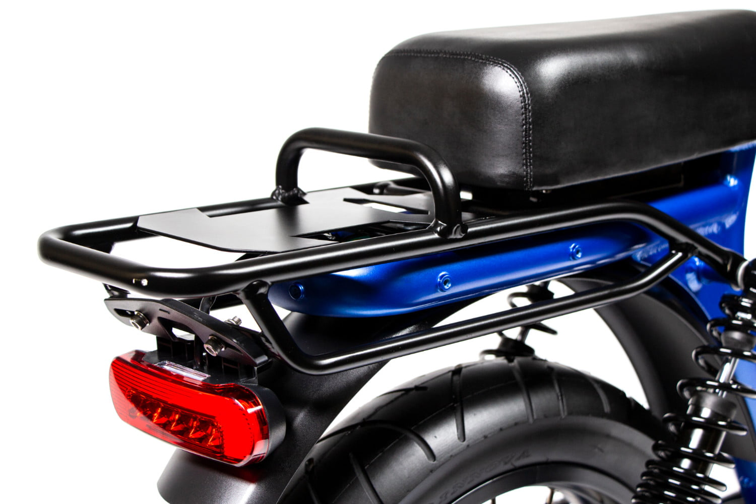 juiced bikes scorpion moped style e bike packs performance safety and comfort 06