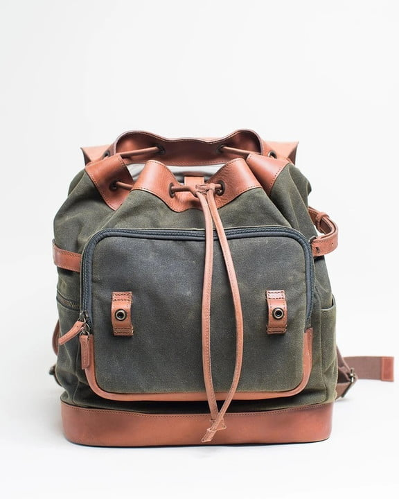 Front view of a Kelly Moore Pilot 2.0 bag on a light gray background.