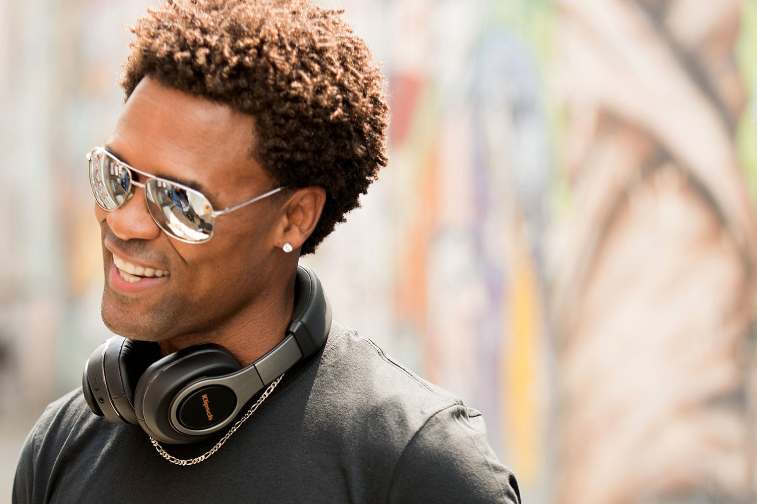 klipsch reference headphones adds new wireless models on ear bluetooth 1