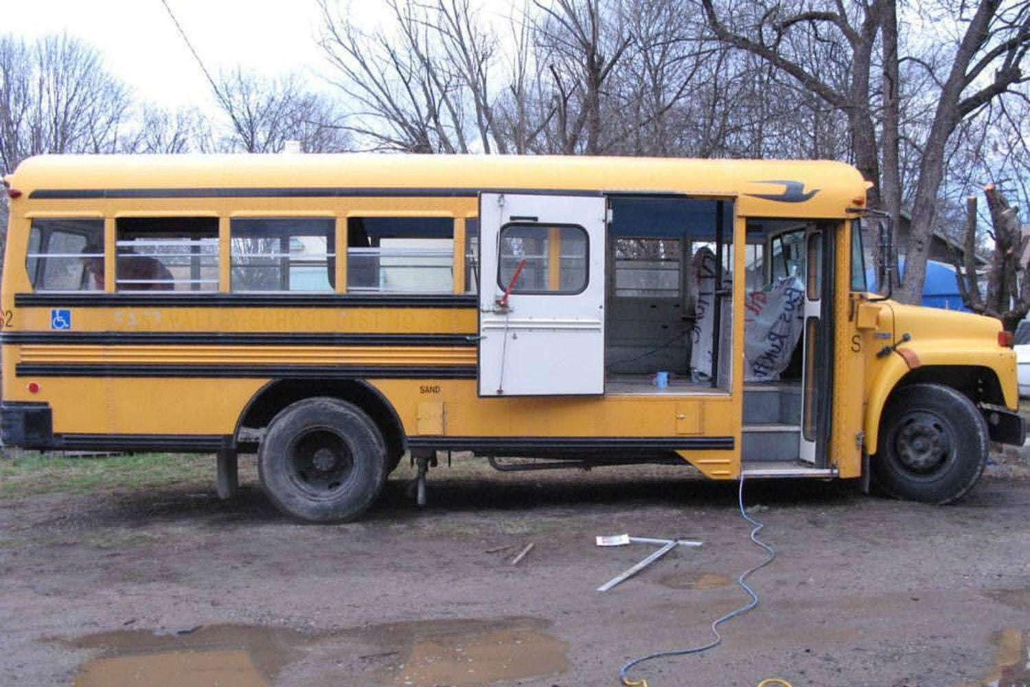 coolest bus to mobile home conversions kylevolkmanbusbefore