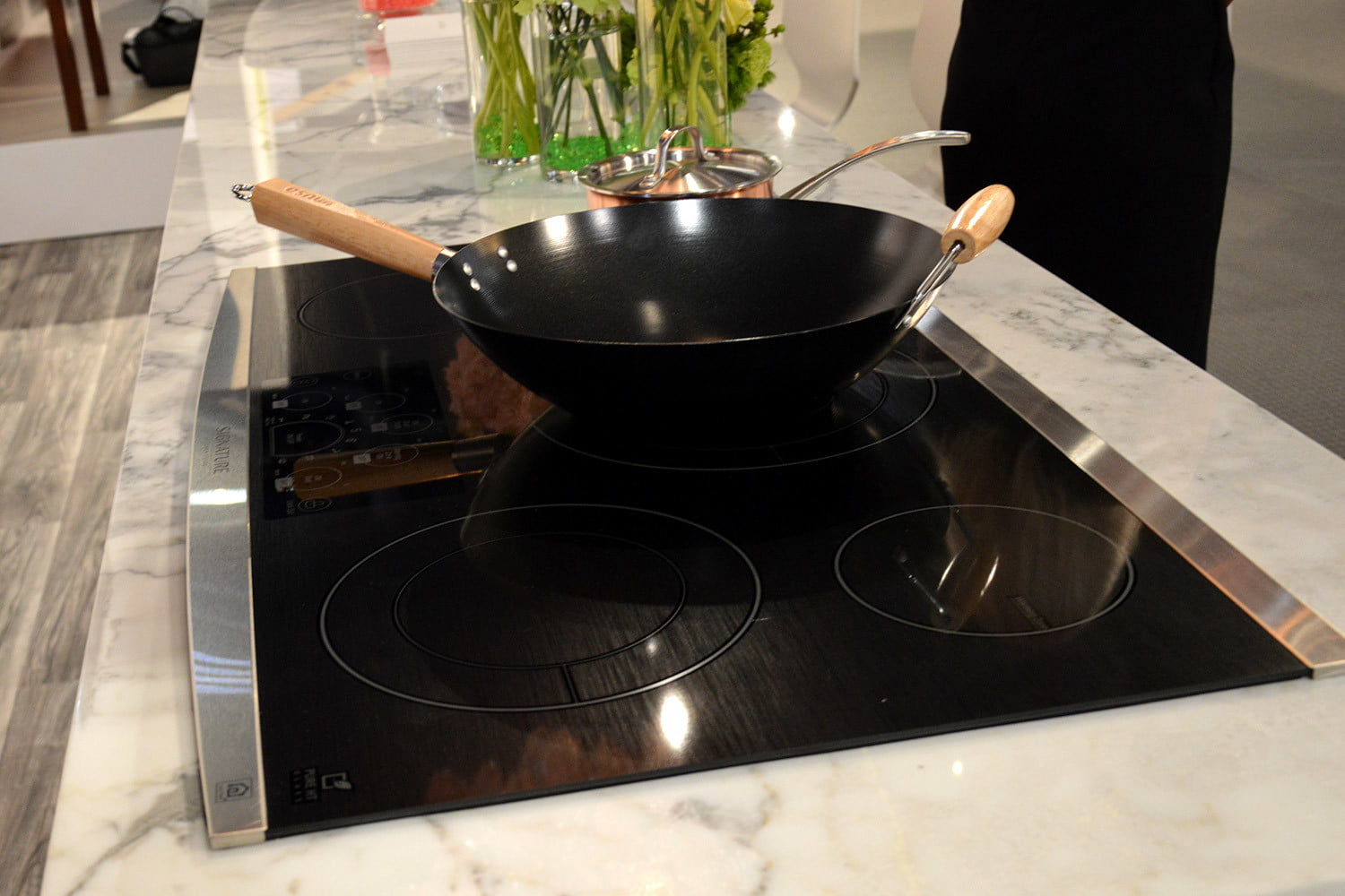 signature is a luxury smart appliance brand from lg kitchen suite electric cooktop 0378