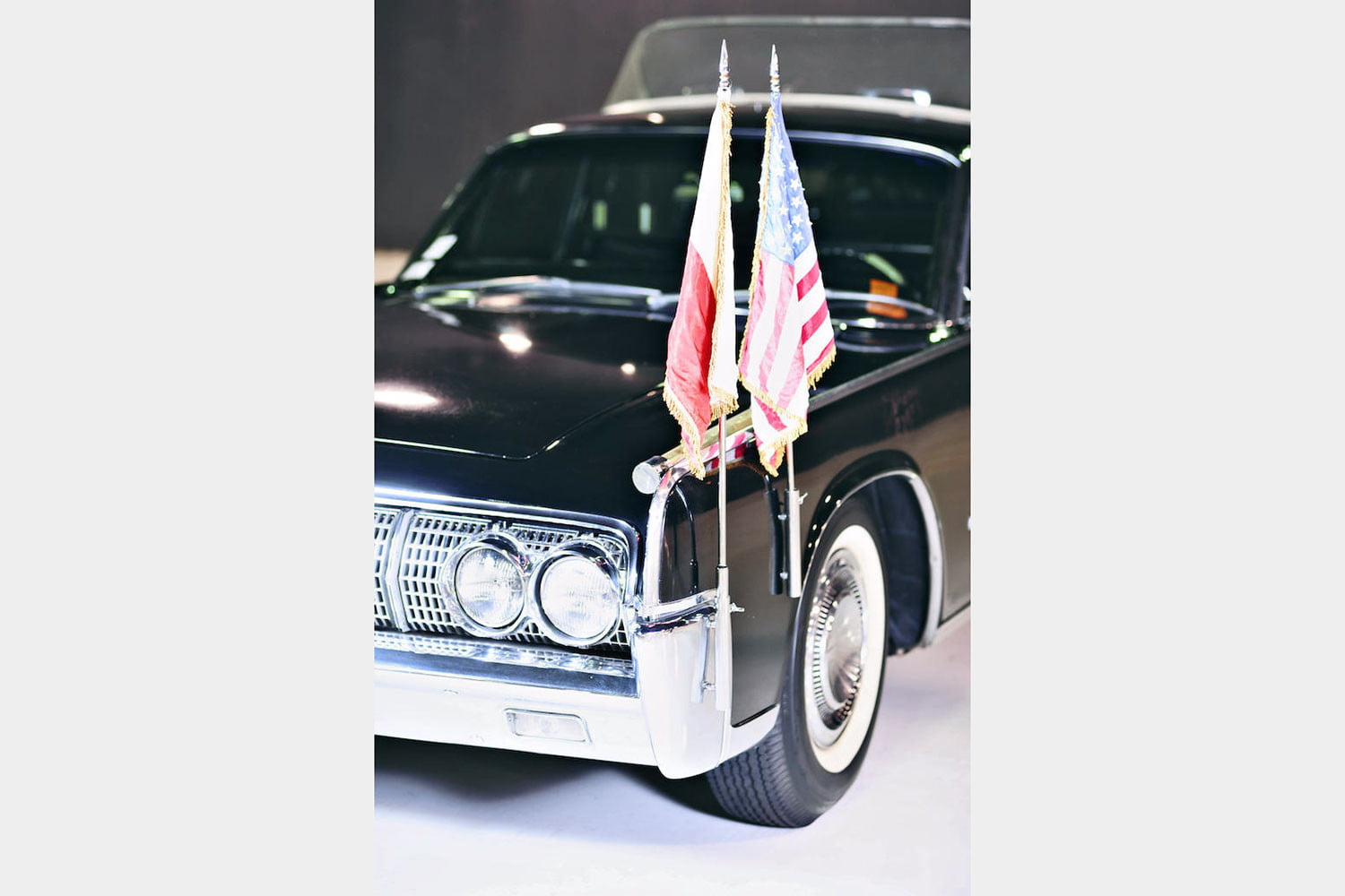 10 sweet popemobiles that will make you wish held the keys of heaven lincoln continental limousine  1964 4