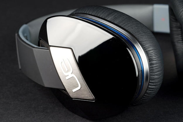 Logitech UR6000 review can angle