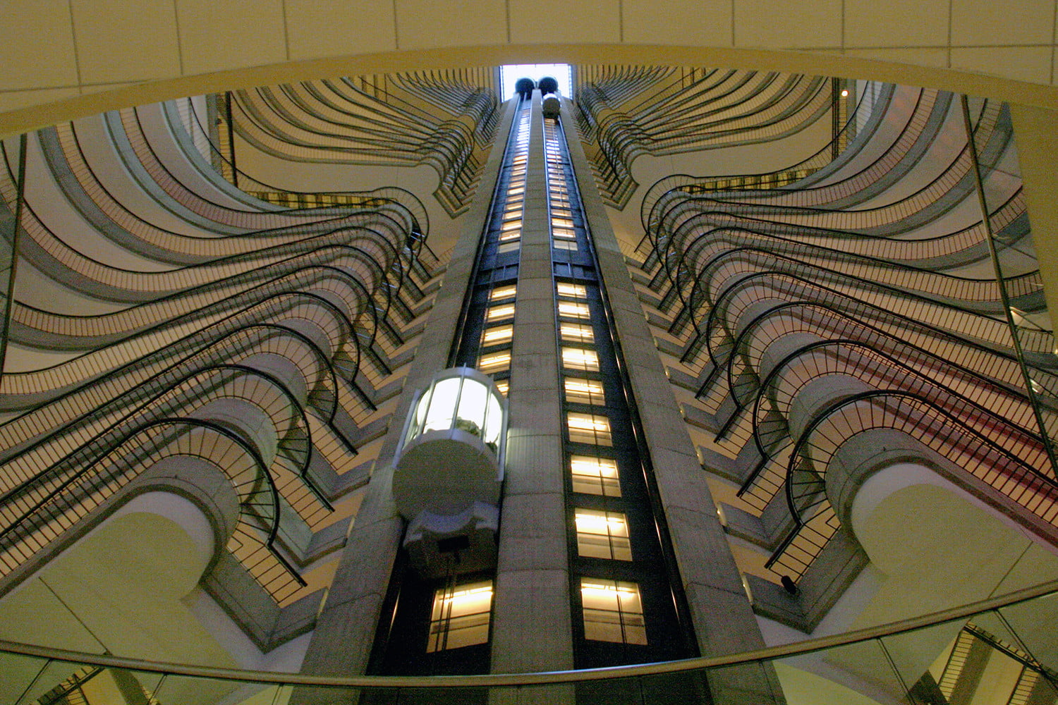 10 famous movie locations you can actually visit marriott marquis atlanta 7