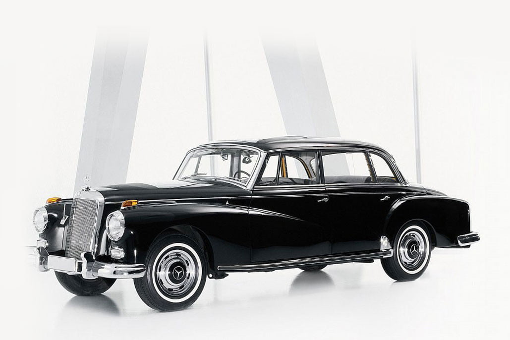 10 sweet popemobiles that will make you wish held the keys of heaven mercedes benz 300d classic virtueller rundgang exponate