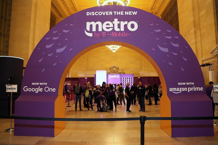 An archway advertising Metro by T-Mobile.