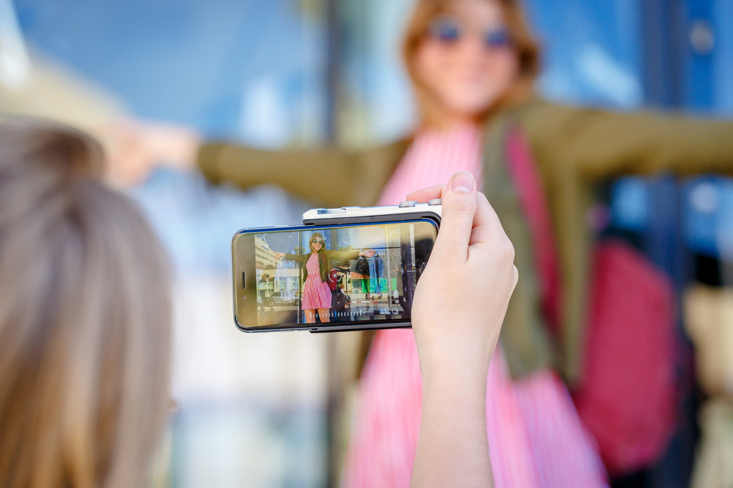pictar iphone case provides dslr like shooting experience miggo 14
