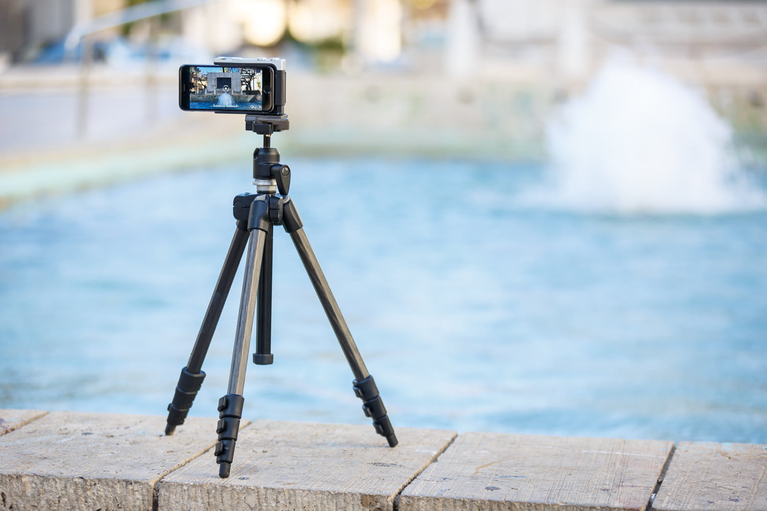 pictar iphone case provides dslr like shooting experience miggo 15