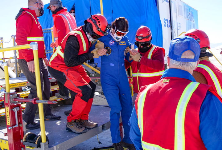 Landing and recovery teams from Boeing and NASA take part in a crew landing dress rehearsal at the U.S. Army's White Sands Space Harbor in New Mexico in preparation for missions returning with astronauts from the International Space Station as part of the agency's Commercial Crew Program.