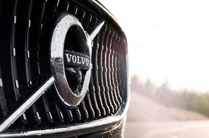 volvo car to communication new v90 cross country detail