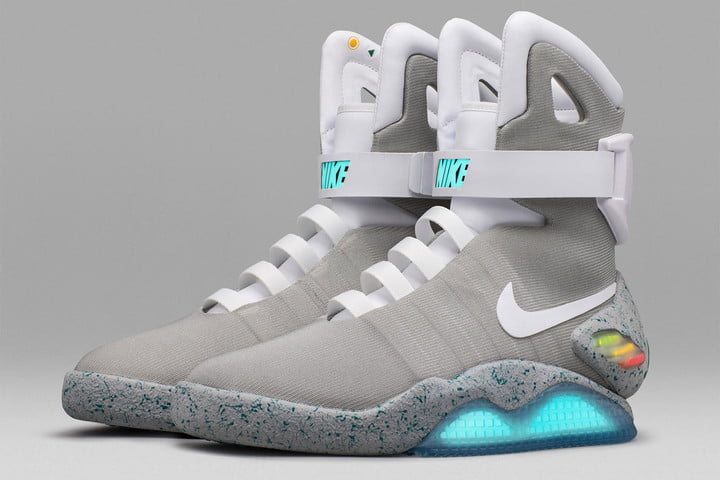 mag sneakers auction nike mag3
