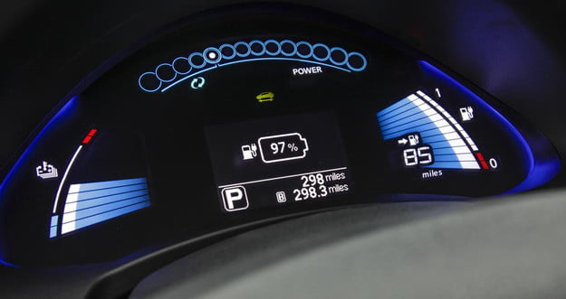 Nissan LEAF dash