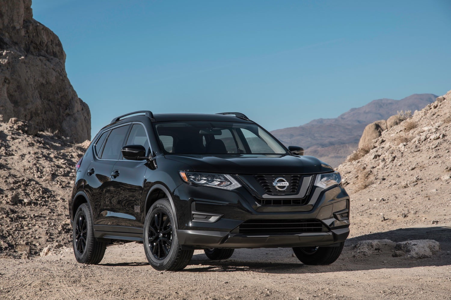 2017 nissan rogue one star wars limited edition gets themed