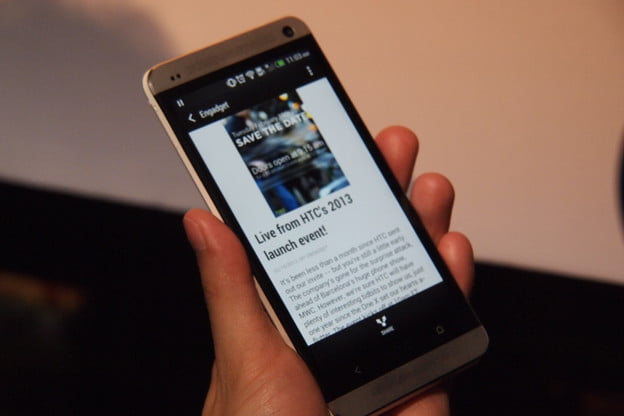 HTC One Reading