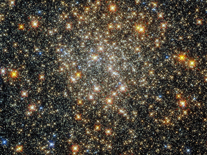 This sparkling starfield, captured by the NASA/ESA Hubble Space Telescope's Wide Field Camera 3 and Advanced Camera for Surveys, contains the globular cluster ESO 520-21 (also known as Palomar 6).