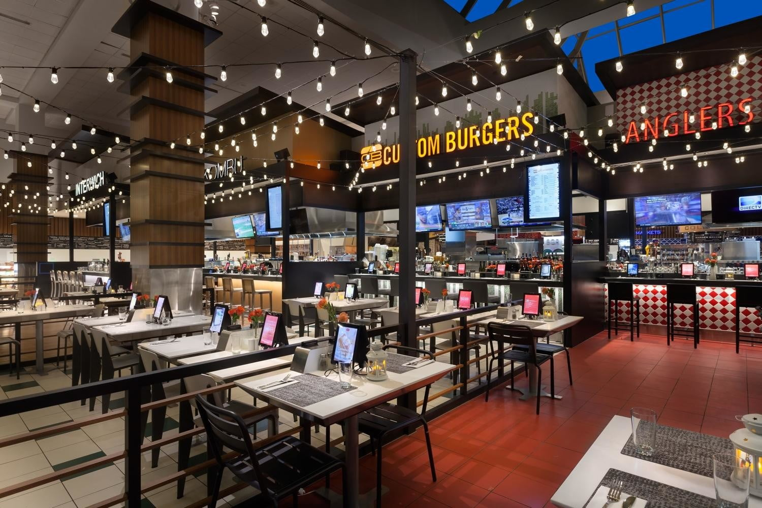 otgs techie food hall at laguardia airport is one of first to accept apple pay otg terminalc 1