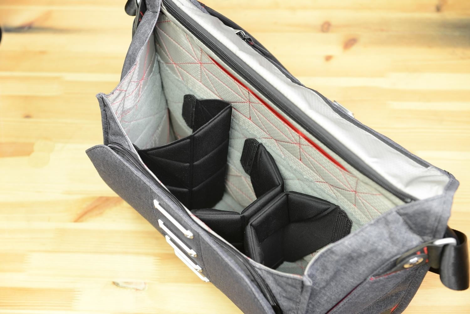 this photography bag suits your everyday needs with or without a camera peak design messenger 16