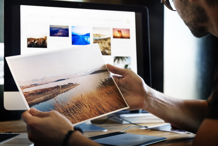 Google can now erase watermarks from stock photos