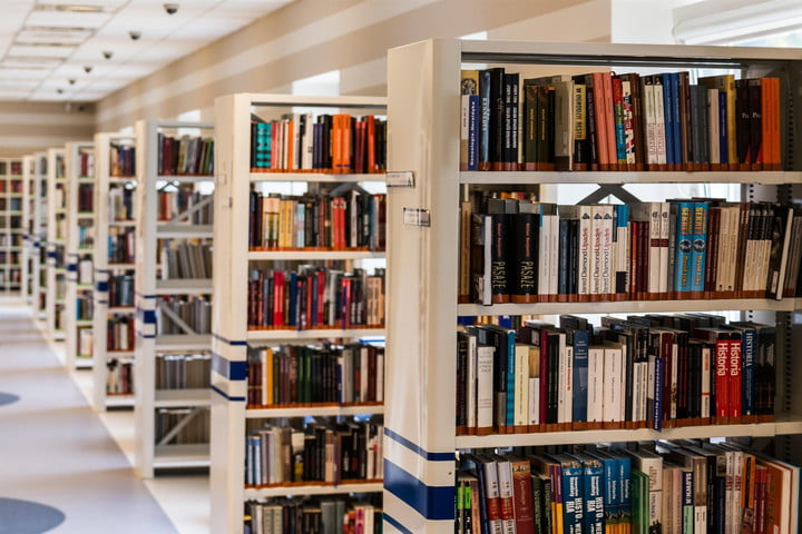 rows and rows of bookshelves filled with books