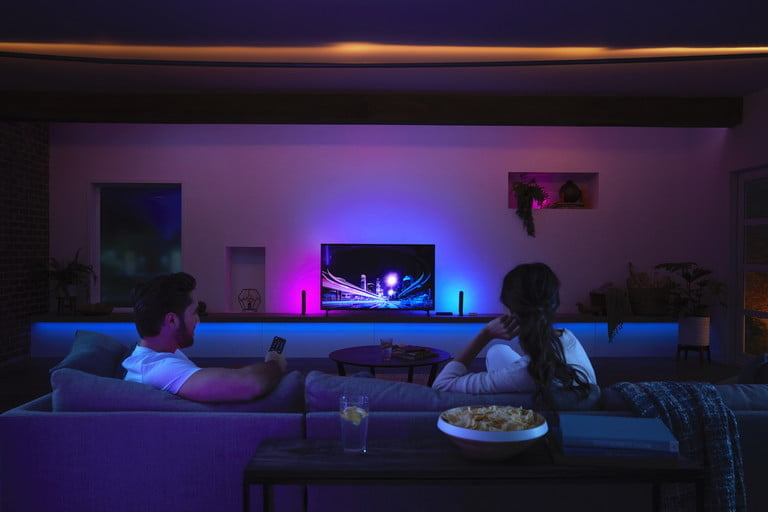 philips hue play hdmi sync box gives plug and immersion surround lighting