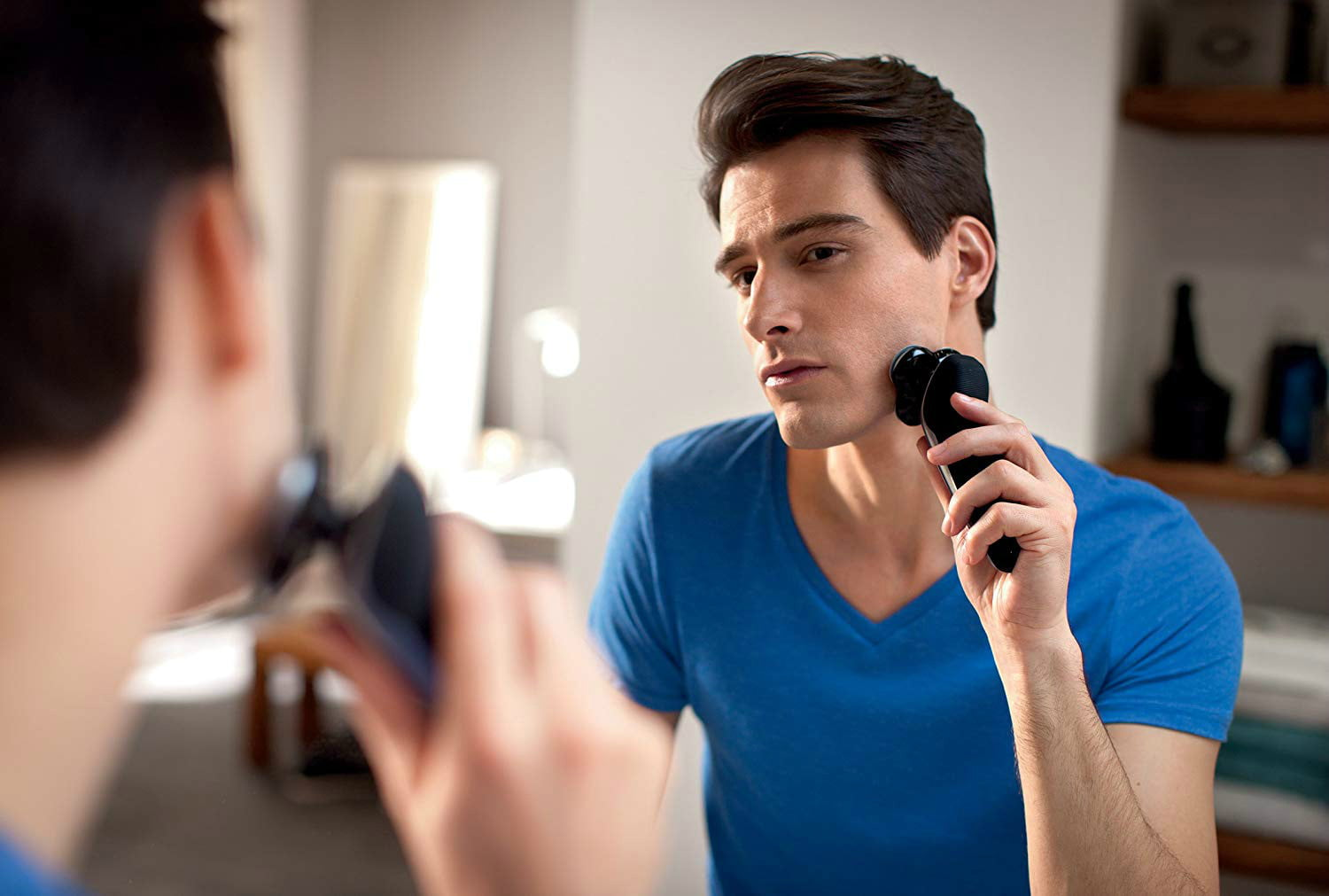 amazon trims philips norelco 8900 wet and dry electric shaver with smartclean  edition s8950 90 06