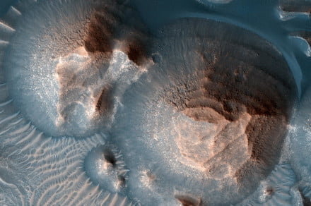 Volcanoes on Mars exploded in 'super eruptions' that blotted out the sun