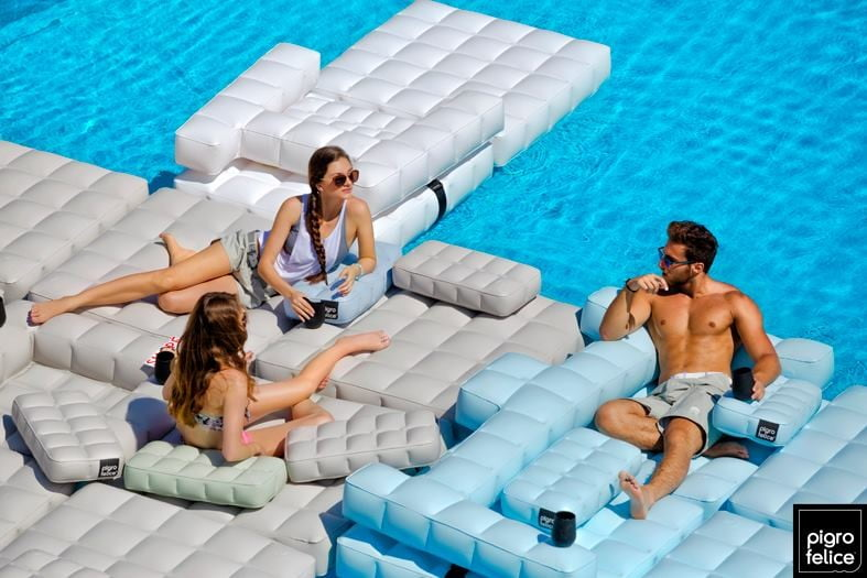 Pigro Felice inflatable furniture – mix and match lounge
