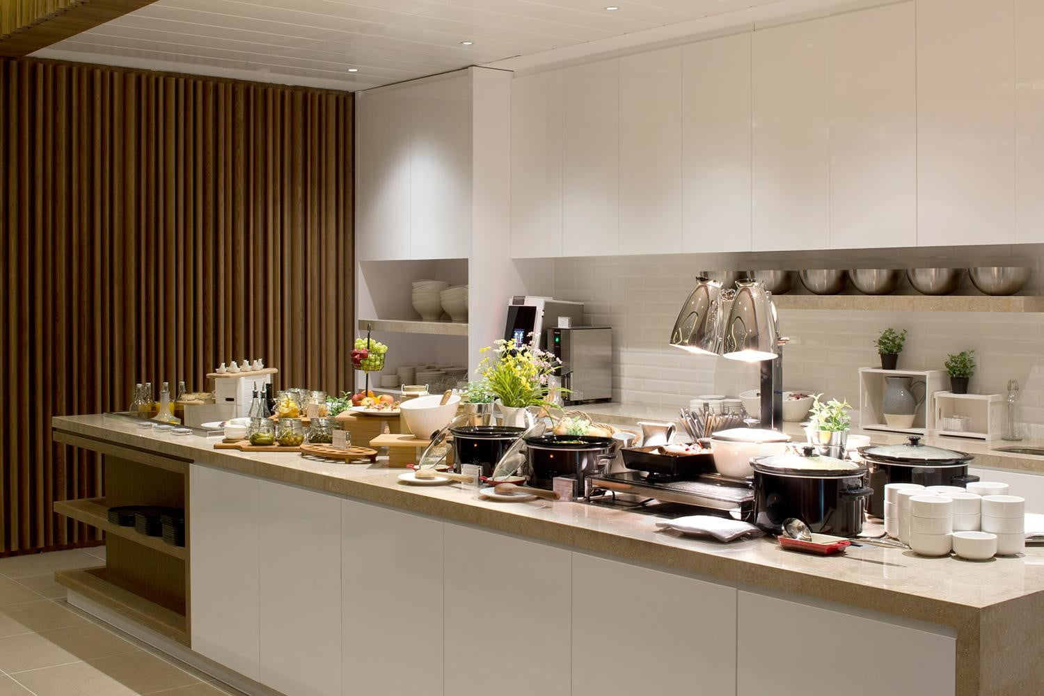 the worlds best airport lounges plaza premium lounge lhr