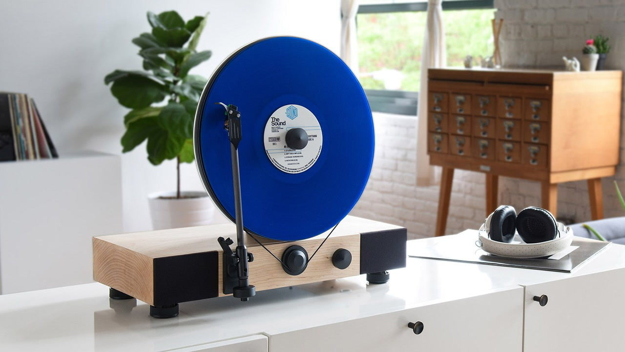 www digitaltrends comhomevintage vertical turntable raised 600000 kickstarter gramovox  floating record