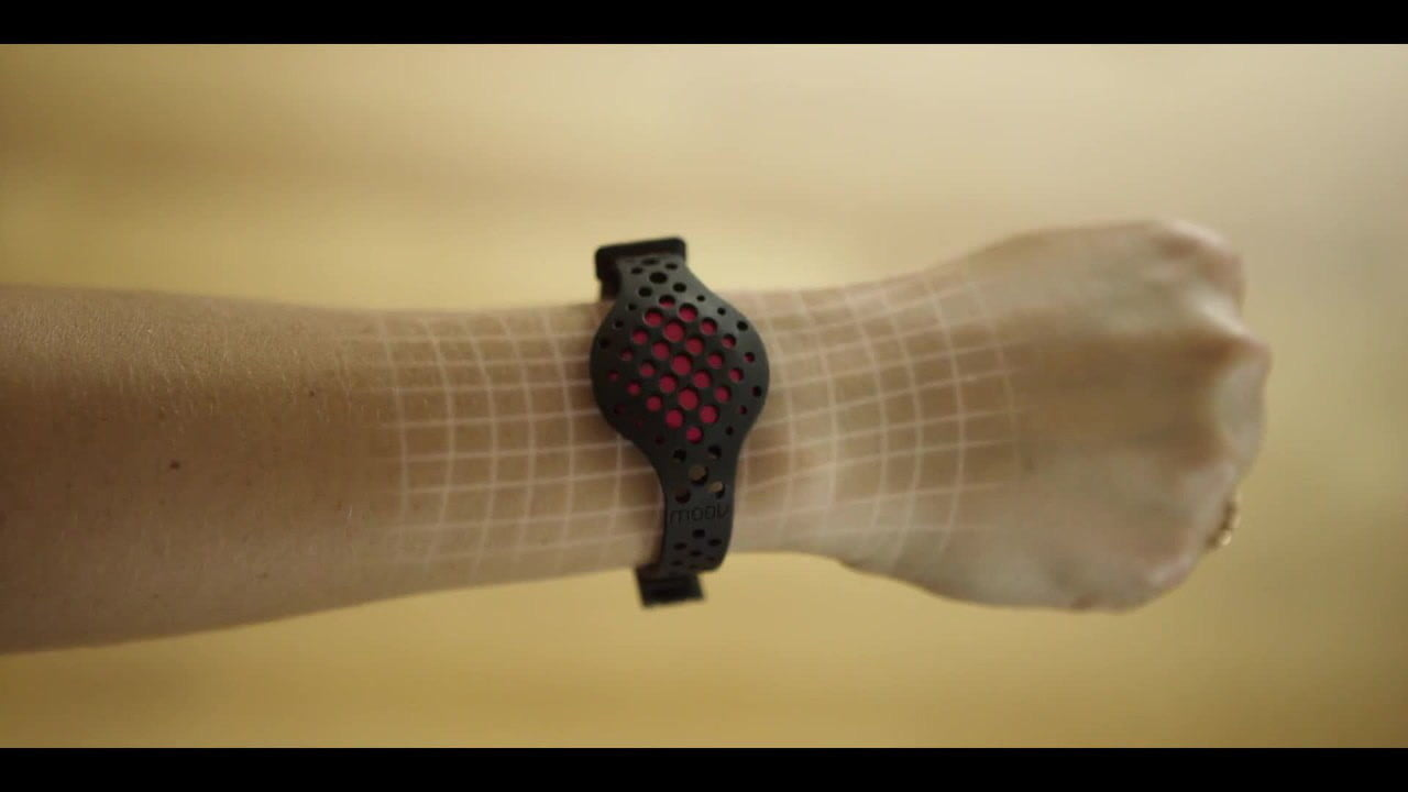 the moov now uses machine smarts to help improve your workouts meet  world s most advanced fitness wearable