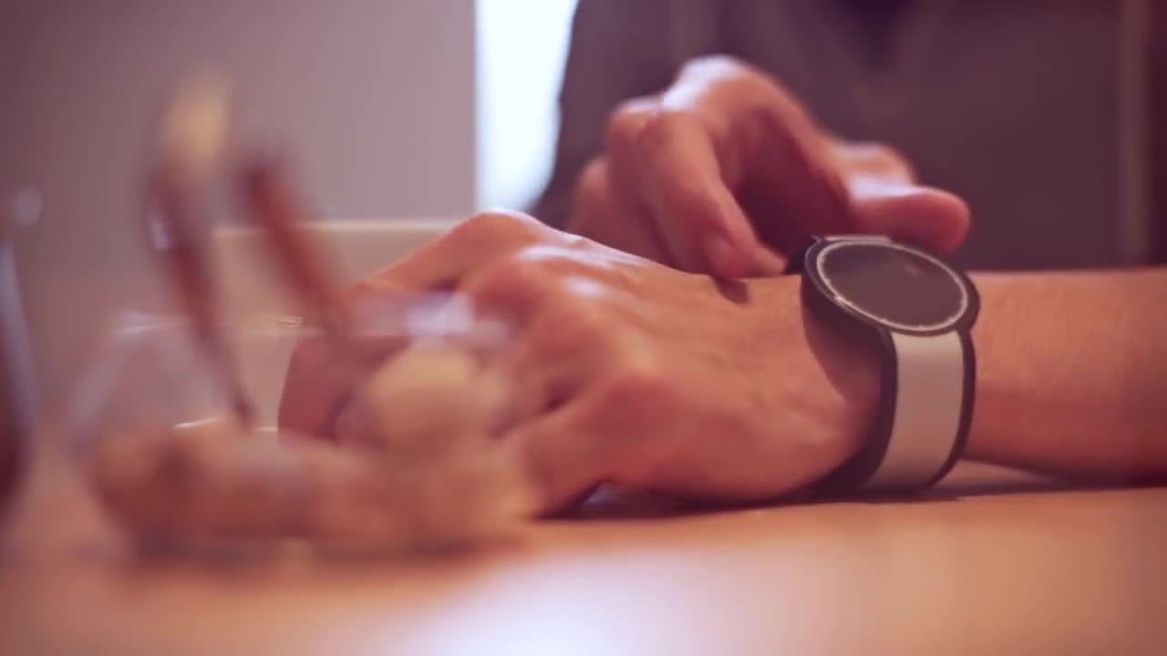 design sonys e ink watch revealed sony s fes goes on sale this week