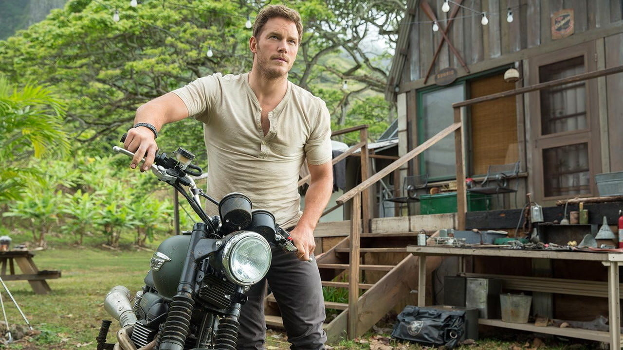 jurassic world review  the franchise is back from extinction