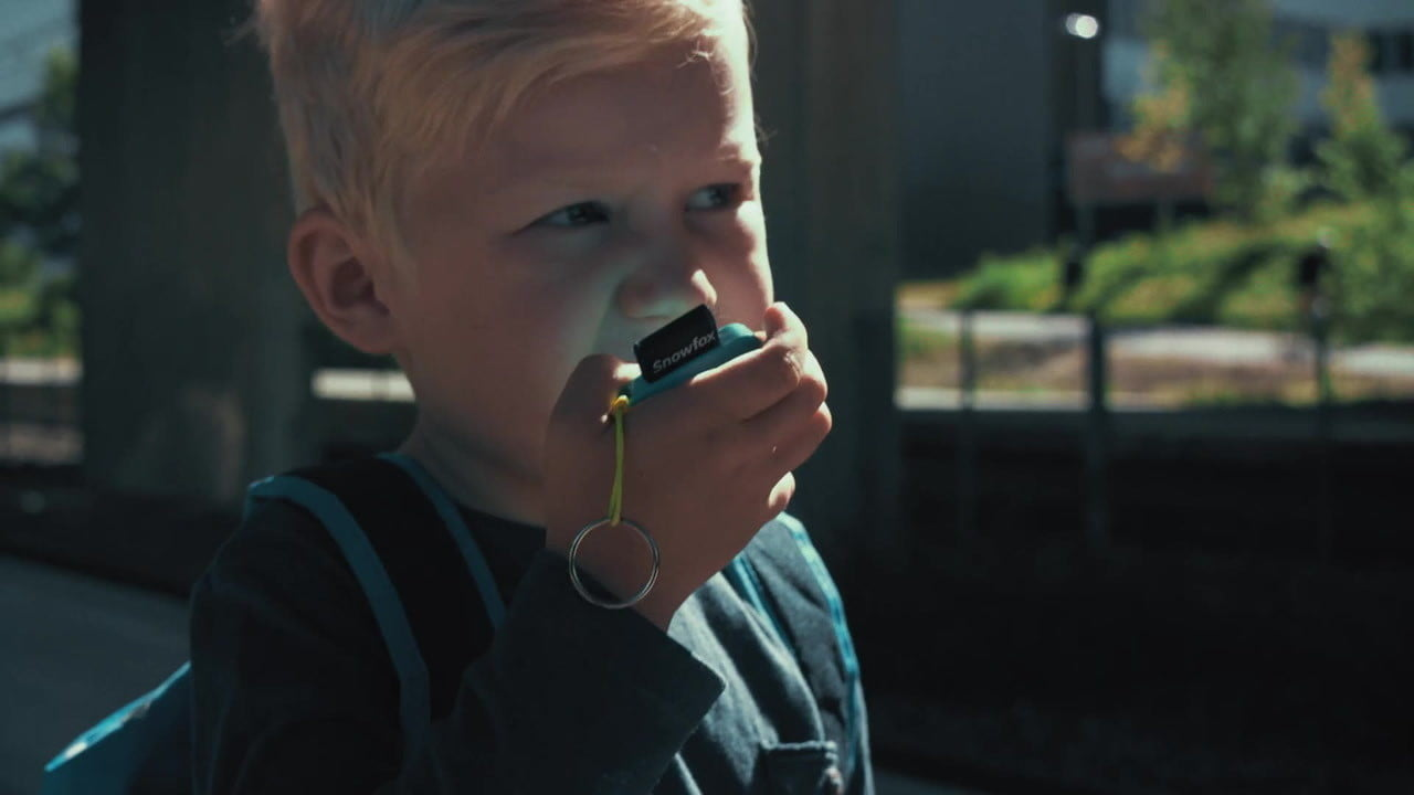 snowfox trackerphone indiegogo launch the lets you track and call your kids